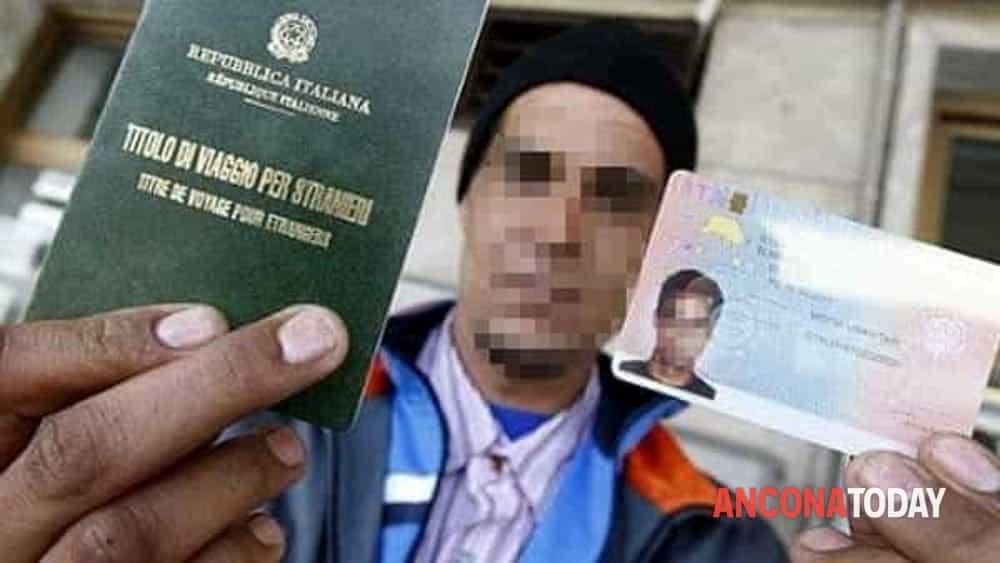 Documenti falsi per il permesso di soggiorno, migranti ospiti in ...