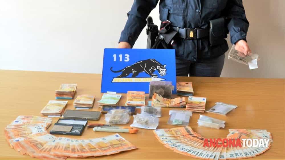 «Ho smesso con la droga». Nella borsa, un chilo di stupefacente e 20mila euro - AnconaToday