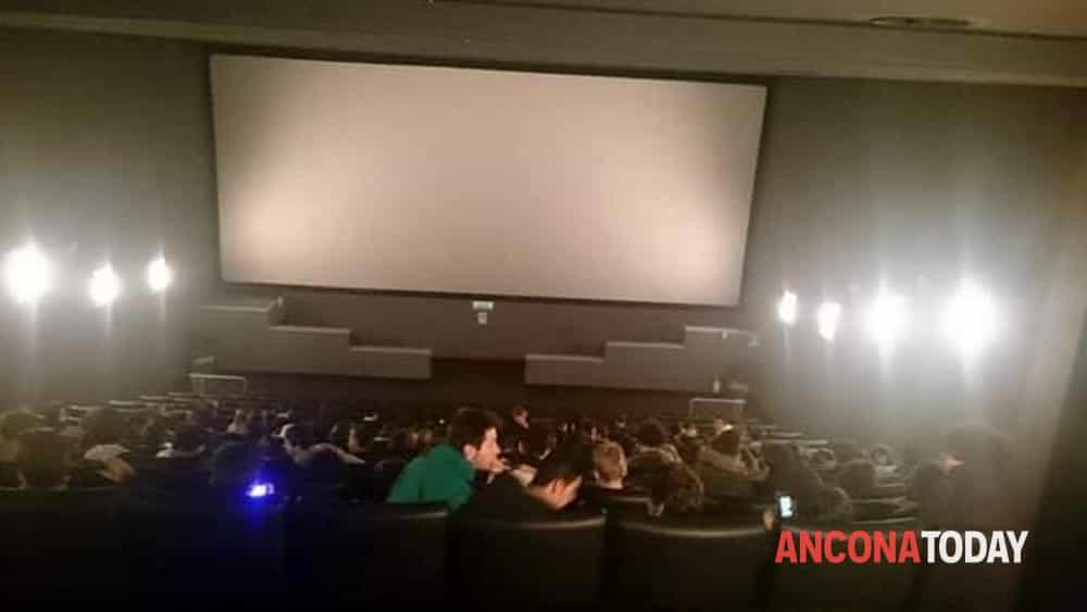 Cinema Multiplex Ancona 90